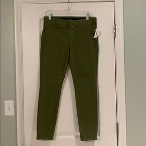 Old Navy Rockstar Pull On Jeans 8 Petite